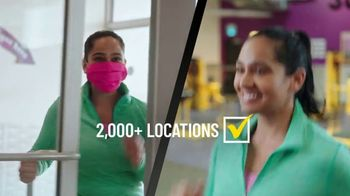 Planet Fitness Black Card Free Month Sale TV Spot, 'Get Moving' - Thumbnail 4