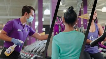 Planet Fitness Black Card Free Month Sale TV Spot, 'Get Moving' - Thumbnail 6