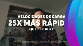 AT&T Internet Fiber TV Spot, 'Mal de amor: 300Mbps for $35 per Month' [Spanish] - Thumbnail 7