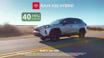 Toyota TV Spot, 'Ten Different Hybrids: Team USA' [T2] - Thumbnail 4