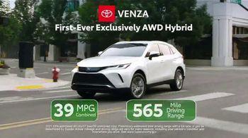 Toyota TV Spot, 'Ten Different Hybrids: Team USA' [T2] - Thumbnail 7