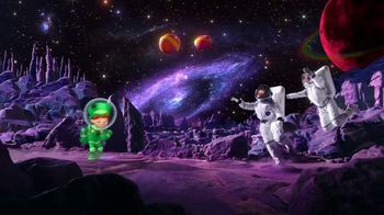 Limited-Edition Galactic Lucky Charms TV Spot, 'Slow-Speed Chase' - Thumbnail 5