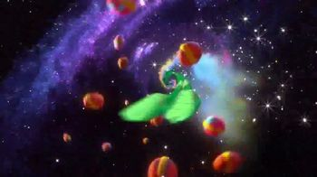 Limited-Edition Galactic Lucky Charms TV Spot, 'Slow-Speed Chase' - Thumbnail 9