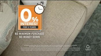 Ashley HomeStore One Day Sale TV Spot, '0% Interest or 25% Off Storewide' - Thumbnail 4