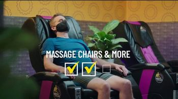 Planet Fitness Black Card Free Month Sale TV Spot, 'All The Perks' - Thumbnail 5