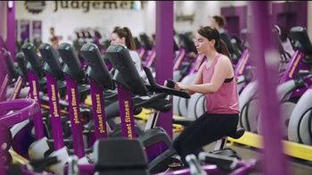 Planet Fitness Black Card Free Month Sale TV Spot, 'All The Perks' - Thumbnail 7