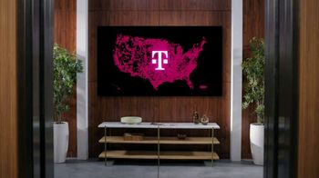 T-Mobile TV Spot, 'See for Yourself: Elevator' Song by Tina Turner - Thumbnail 5