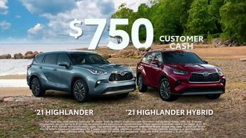 Toyota Run the Numbers Summer Getaway TV Spot, 'Time to Get Away: SUVs' [T2] - Thumbnail 6