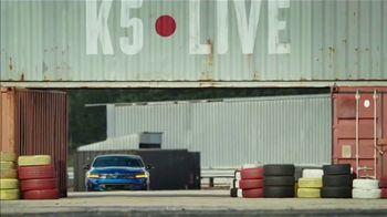2021 Kia K5 TV Spot, 'Flat Spin Stunt' [T1] - Thumbnail 3