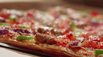 Pizza Hut The Edge TV Spot, 'Painting' Featuring Craig Robinson - Thumbnail 3