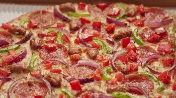 Pizza Hut The Edge TV Spot, 'Painting' Featuring Craig Robinson - Thumbnail 5
