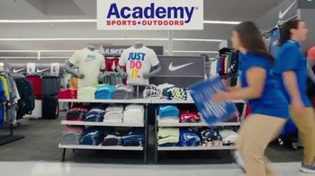 Academy Sports + Outdoors TV Spot, 'Best Gifts for Dad' - Thumbnail 3