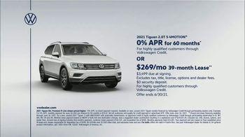Volkswagen TV Spot, 'Raccoons: SUVs' [T2] - Thumbnail 7