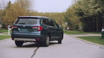 2021 Honda Pilot TV Spot, 'No One Does It Like We Do' Song by Grace Mesa [T2] - Thumbnail 1