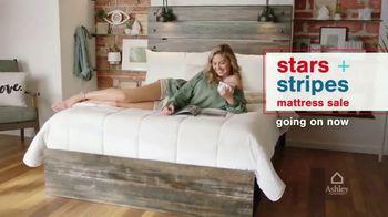 Ashley HomeStore Stars + Stripes Mattress Sale TV Spot, 'King for Price of a Twin' - Thumbnail 2
