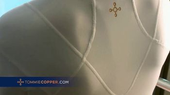 Tommie Copper Shoulder Support Shirt TV Spot, 'Introducing: Save 25%' - Thumbnail 4