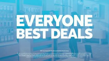 AT&T Wireless TV Spot, 'Best Deals: Lucky Shirt: Free Samsung Galaxy S21 5G' - Thumbnail 10