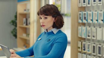 AT&T Wireless TV Spot, 'Best Deals: Lucky Shirt: Free Samsung Galaxy S21 5G' - Thumbnail 2