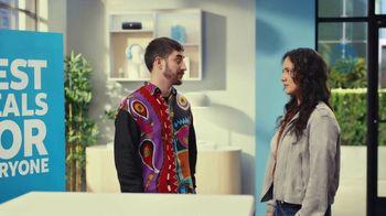 AT&T Wireless TV Spot, 'Best Deals: Lucky Shirt: Free Samsung Galaxy S21 5G' - Thumbnail 3