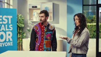 AT&T Wireless TV Spot, 'Best Deals: Lucky Shirt: Free Samsung Galaxy S21 5G' - Thumbnail 4