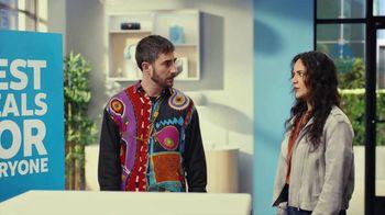 AT&T Wireless TV Spot, 'Best Deals: Lucky Shirt: Free Samsung Galaxy S21 5G' - Thumbnail 5