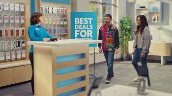 AT&T Wireless TV Spot, 'Best Deals: Lucky Shirt: Free Samsung Galaxy S21 5G' - Thumbnail 6