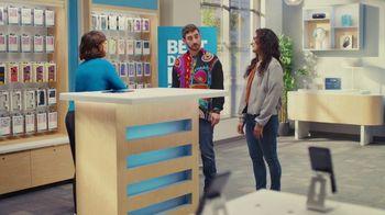 AT&T Wireless TV Spot, 'Best Deals: Lucky Shirt: Free Samsung Galaxy S21 5G' - Thumbnail 7