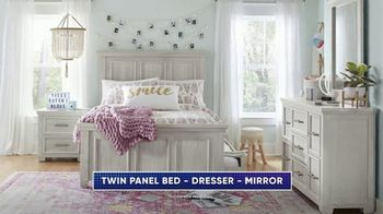 Rooms to Go Kids TV Spot, 'July 4th Hot Buys: Twin Panel Bed' - Thumbnail 4