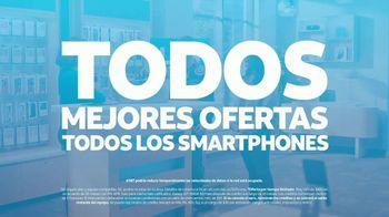 AT&T Wireless TV Spot, 'Best Deals: camisa de la suerte: Free Samsung Galaxy S21 5G' [Spanish] - Thumbnail 9