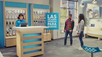 AT&T Wireless TV Spot, 'Best Deals: camisa de la suerte: Free Samsung Galaxy S21 5G' [Spanish] - Thumbnail 2