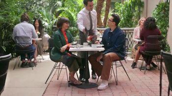 Citi Custom Cash Card TV Spot, 'It Pays to be Rashida & Dan: Workout, Gas Station, Café' - Thumbnail 8