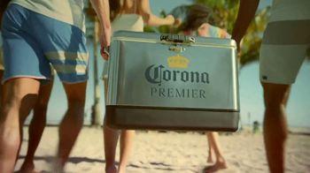 Corona Premier TV Spot, 'Ganar y jugar' canción de Young MC [Spanish] - Thumbnail 2