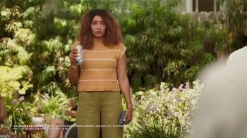 Blue Moon LightSky TV Spot, 'Cornhole' Featuring Rachael Harris - Thumbnail 9