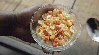 Frosted Flakes With Crispy Cinnamon Basketballs TV Spot, 'My Cereal' Featuring Shaquille O'Neal - Thumbnail 6