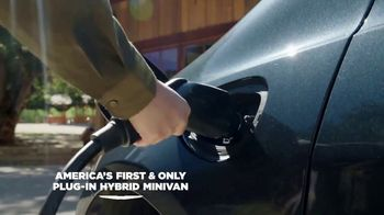 Chrysler Pacifica Family Pricing TV Spot, 'Protect Your World' [T2] - Thumbnail 5