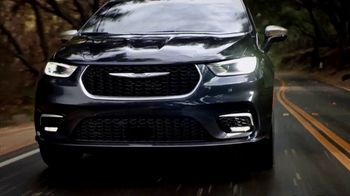 Chrysler Pacifica Family Pricing TV Spot, 'Protect Your World' [T2] - Thumbnail 7