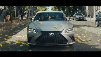 Lexus ES TV Spot, 'Bananas' Song by The Melody Aces [T2] - 5016 commercial airings