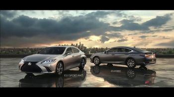 Lexus ES TV Spot, 'Bananas' Song by The Melody Aces [T2] - Thumbnail 10