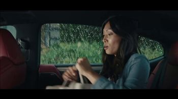 Lexus ES TV Spot, 'Bananas' Song by The Melody Aces [T2] - Thumbnail 8