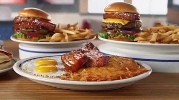IHOP Steakhouse Premium Bacon TV Spot, 'El futuro del tocino' [Spanish] - Thumbnail 5