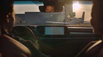 2021 Lexus ES TV Spot, 'El playlist de Sofía' [Spanish] [T2] - Thumbnail 6