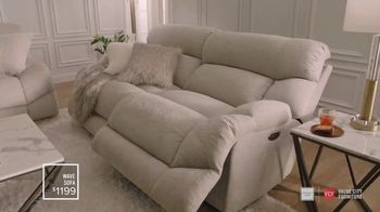 Value City Furniture TV Spot, 'Designer Look: Family Member' - Thumbnail 2