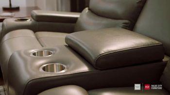 Value City Furniture TV Spot, 'Designer Look: Family Member' - Thumbnail 4
