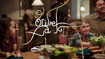 Olive Garden Never Ending Soup, Salad and Breadsticks TV Spot, 'Primer plato ilimitado' [Spanish] - Thumbnail 10