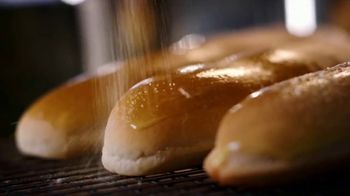 Olive Garden Never Ending Soup, Salad and Breadsticks TV Spot, 'Primer plato ilimitado' [Spanish] - Thumbnail 4