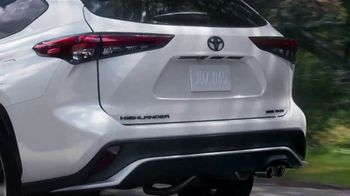 Toyota TV Spot, 'Dear Exit Strategy' [T2] - Thumbnail 5