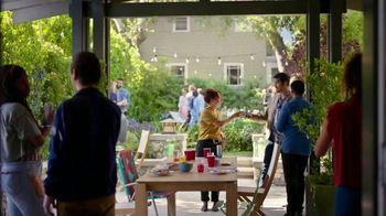 Blue Moon LightSky TV Spot, 'Housewarming' Featuring Rachael Harris - Thumbnail 1