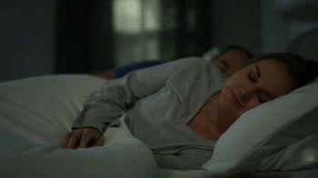 Tempur-Pedic Summer of Sleep TV Spot, 'No More Hot Sleep: Save $500' - Thumbnail 7