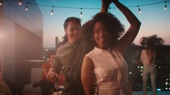 Michelob ULTRA Team ULTRA Summer Sweepstakes TV Spot, 'ULTRA Comeback: New Moves' - Thumbnail 4
