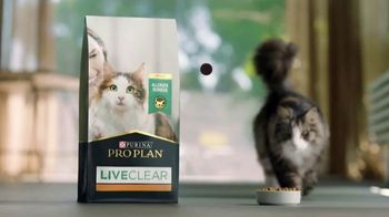 Purina Pro Plan LiveClear TV Spot, 'LiveClear Challenge: Cat Allergens' - Thumbnail 6